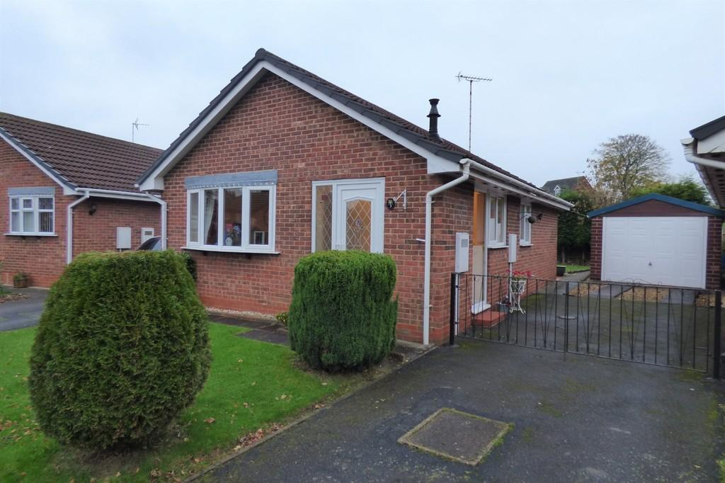 2 Bedrooms Detached Bungalow for sale in Applewood Close, Uttoxeter