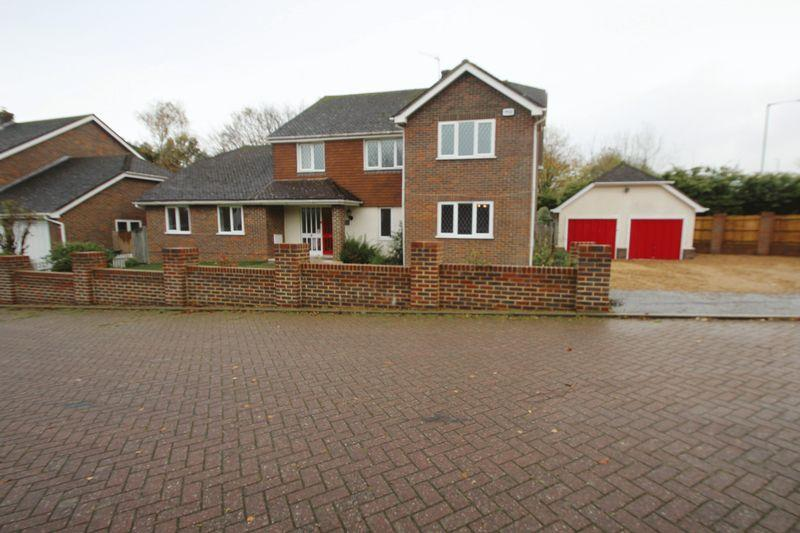 4 Bedrooms Detached House for sale in Old Barn Close, Tonbridge