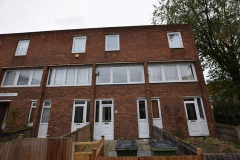4 bedroom terraced house to rent - Rowntree Path, Central Thamesmead, SE28 8BS