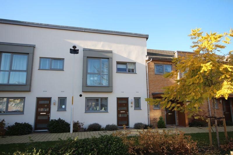 2 Bedrooms Terraced House for sale in Stones Avenue, Dartford