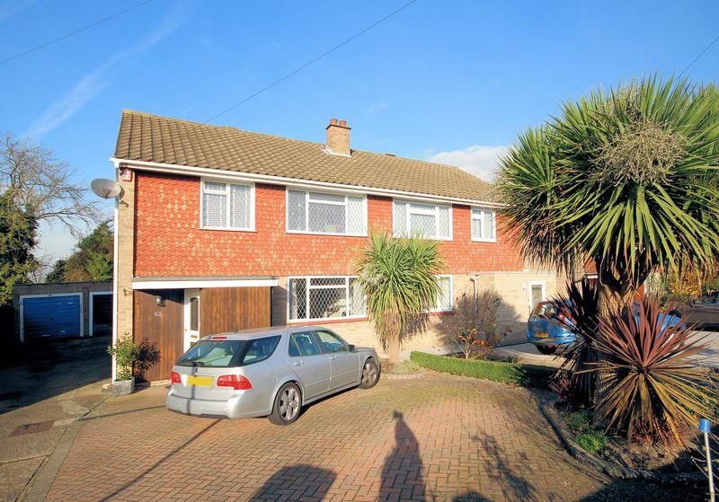 3 Bedrooms Semi Detached House for sale in Lorne Gardens, Shirley
