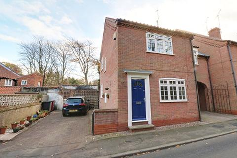 2 bedroom detached house for sale - St Marys Lane, Barton-Upon-Humber