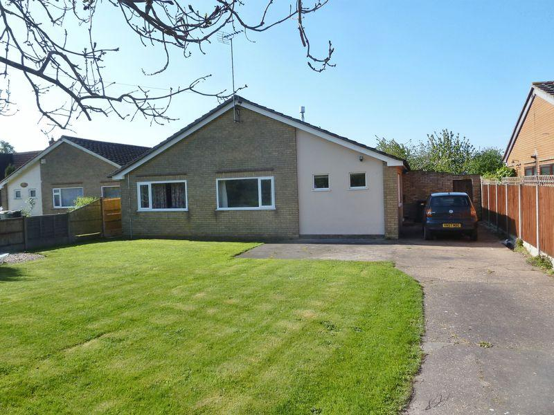 4 Bedrooms Bungalow for sale in Wainfleet Road, Irby In The Marsh