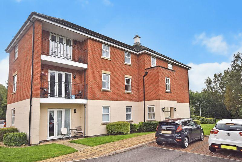 2 Bedrooms Apartment Flat for sale in Lingwell Park, Widnes