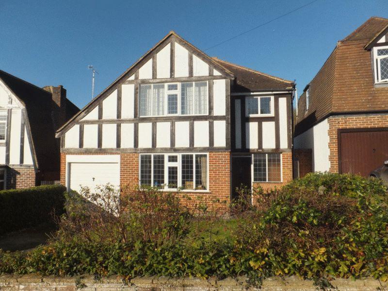 3 Bedrooms Detached House for sale in Tudor Drive, Sevenoaks
