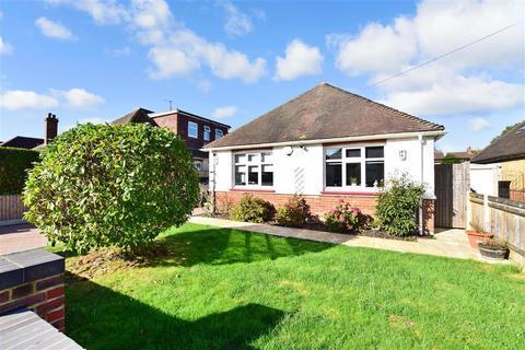 2 bedroom detached bungalow for sale - Thorpe Avenue, Tonbridge, Kent