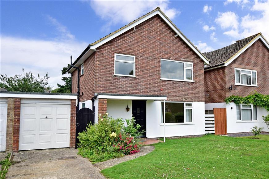 3 Bedrooms Detached House for sale in Warren Close, Felbridge, West Sussex