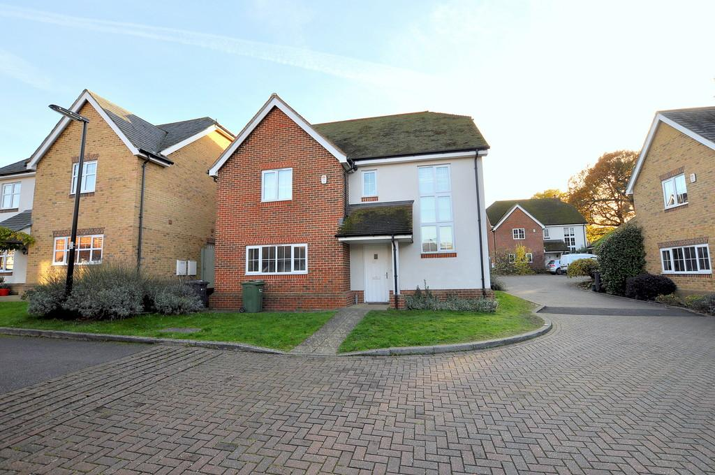 4 Bedrooms Detached House for rent in Knox Road