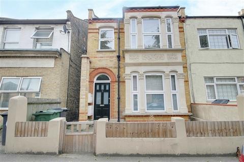 2 bedroom flat to rent - Francis Road, Leyton