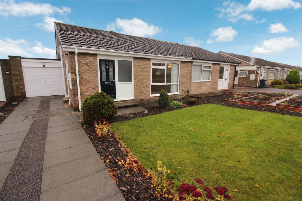 2 Bedrooms Semi Detached Bungalow for sale in Alder Road, Wallsend