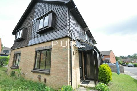 1 bedroom terraced house to rent - Cerne Close, West End, Southampton, Hampshire, SO18 3NG