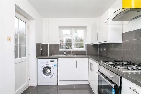 4 bedroom detached house to rent - Bedfordshire Way, Wokingham