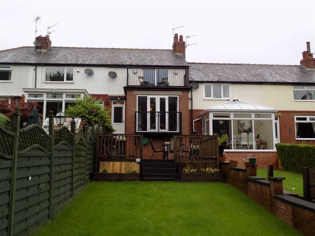 2 Bedrooms Terraced House for sale in Sunnybank Crescent, Greetland