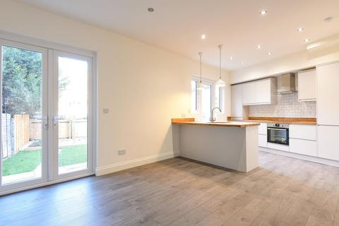 5 bedroom end of terrace house for sale - Vectis Road, Tooting