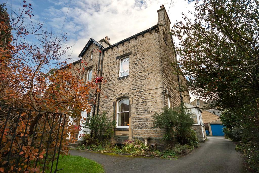 3 Bedrooms Semi Detached House for sale in Imperial Road, Huddersfield, West Yorkshire, HD3