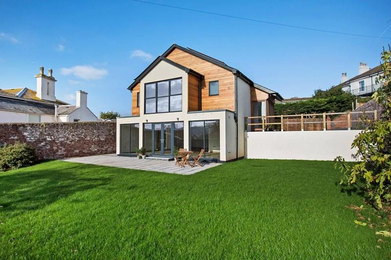 3 Bedrooms Detached House for sale in Coombe Vale Road, Teignmouth