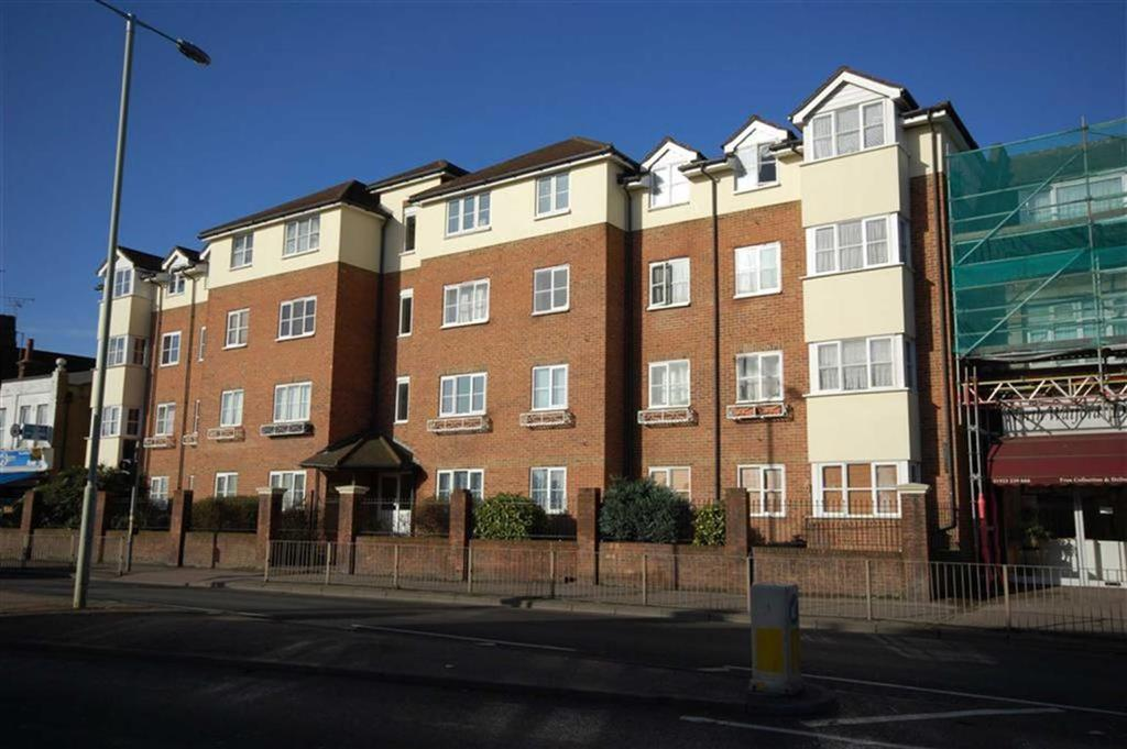 1 Bedroom Apartment Flat for sale in Gladesmere Court, North Watford, Herts