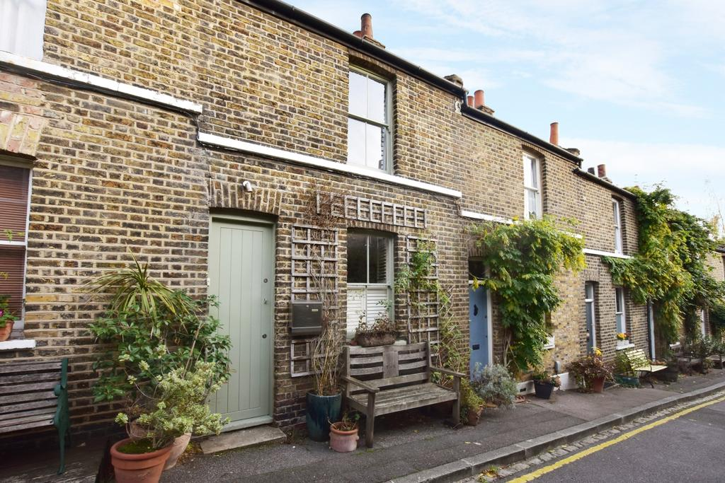 2 Bedrooms Terraced House for sale in Trinity Grove London SE10