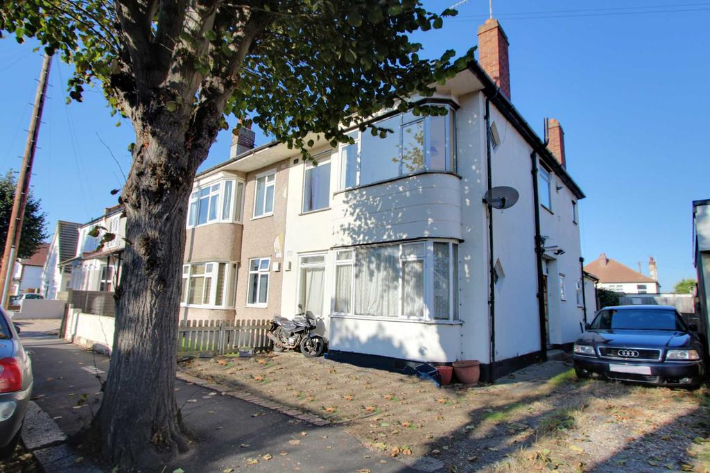 2 Bedrooms Flat for sale in South Avenue, Southend On Sea