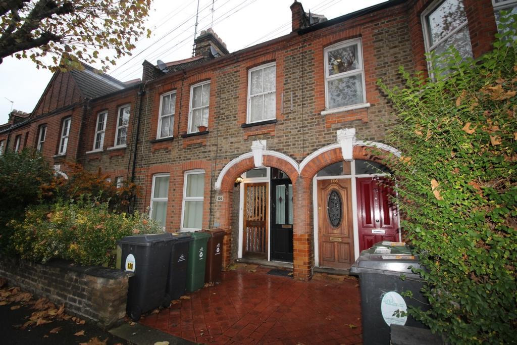 1 Bedroom Maisonette Flat for sale in Blyth Road, Walthamstow, E17