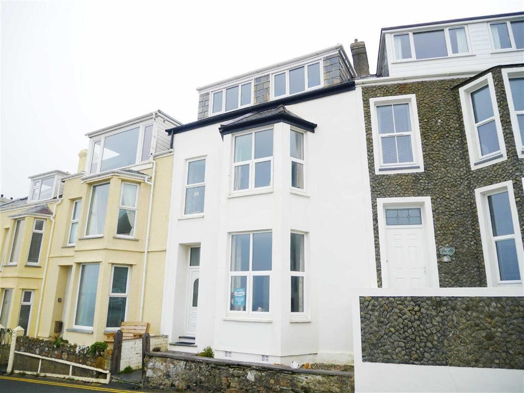 4 Bedrooms Terraced House for sale in Marine Crescent, Criccieth