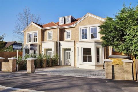 4 bedroom detached house for sale - Oakshade Road, Oxshott, Surrey, KT22