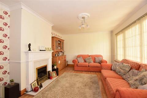 4 bedroom bungalow for sale - Oaklands Close, West Kingsdown, Sevenoaks, Kent