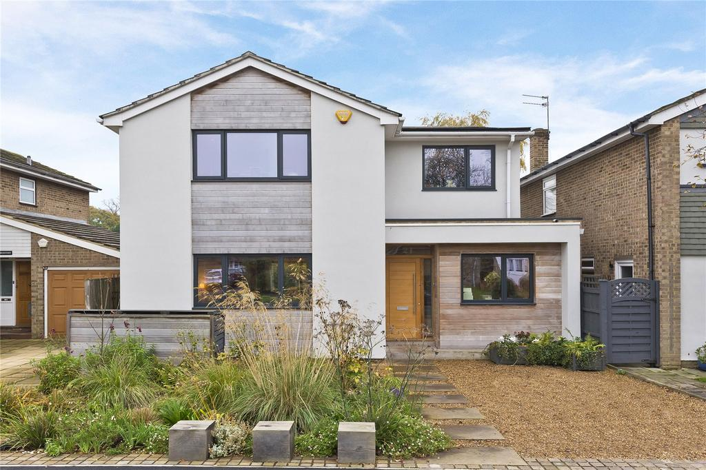 4 Bedrooms Detached House for sale in Parsons Mead, East Molesey, Surrey, KT8