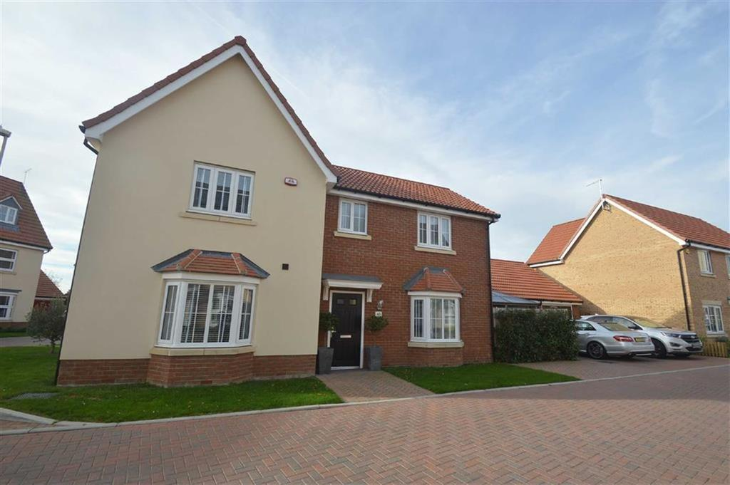 4 Bedrooms Detached House for sale in Shetland Crescent, Rochford, Essex