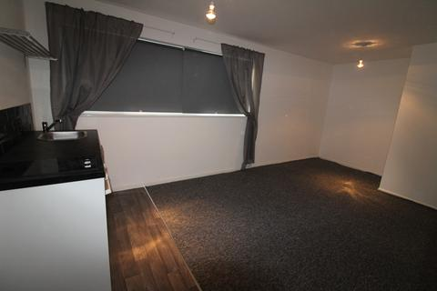 Studio to rent - School Street, Willenhall, Wolverhampton WV13