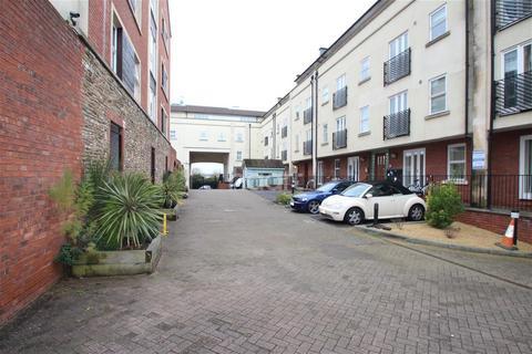 2 bedroom flat to rent - Midland Mews