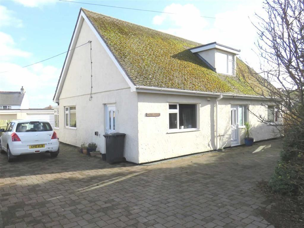 4 Bedrooms Detached Bungalow for sale in Ffordd Seiriol, Moelfre, Anglesey