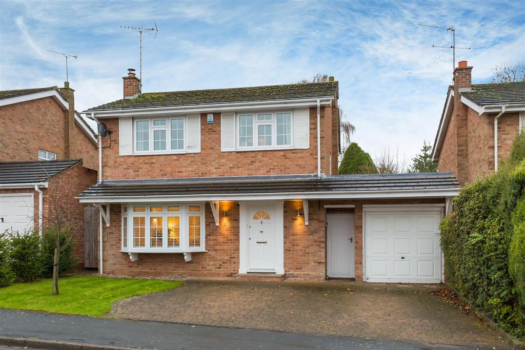 4 Bedrooms Detached House for sale in Taplin Way, Penn