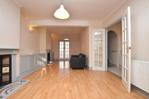 3 bedroom terraced house to rent - Burrage Place London SE18