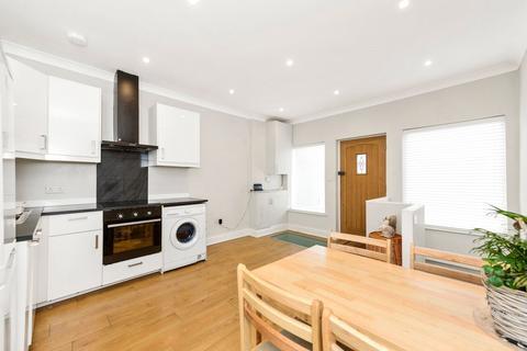 2 bedroom flat for sale - Churchfield Road, London, W3