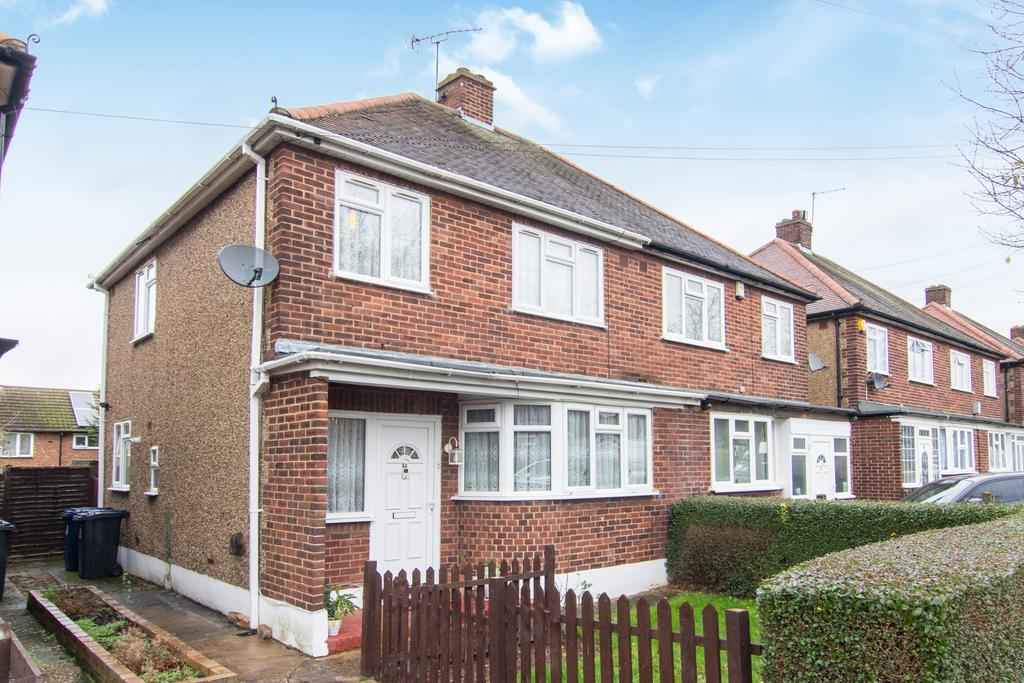 3 Bedrooms House for sale in Sandown Way, Northolt