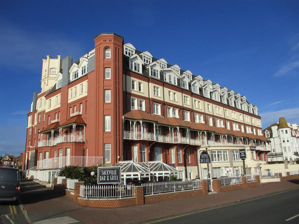 2 Bedrooms Flat for sale in De La Warr Parade, Bexhill-On-Sea