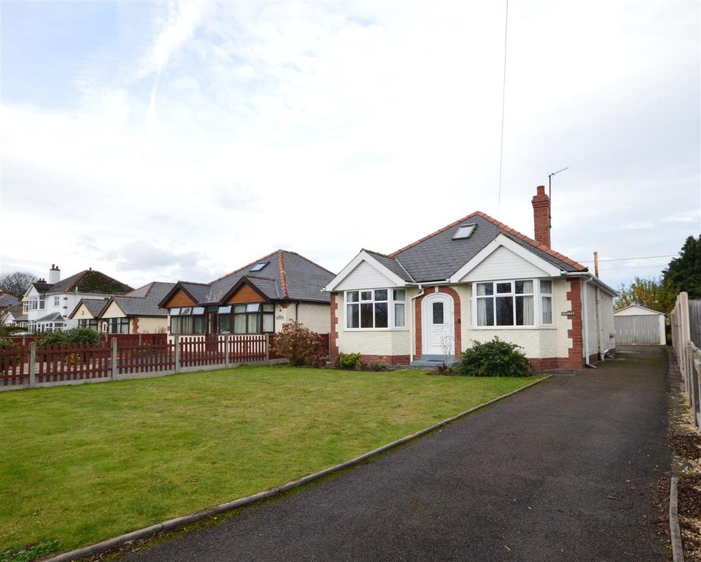 3 Bedrooms Detached Bungalow for sale in Roman Road, Bobblestock, Hereford