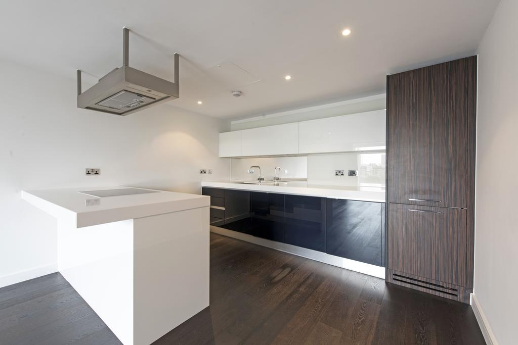 2 Bedrooms Flat for sale in Moore House, Gatliff Road, SW1W