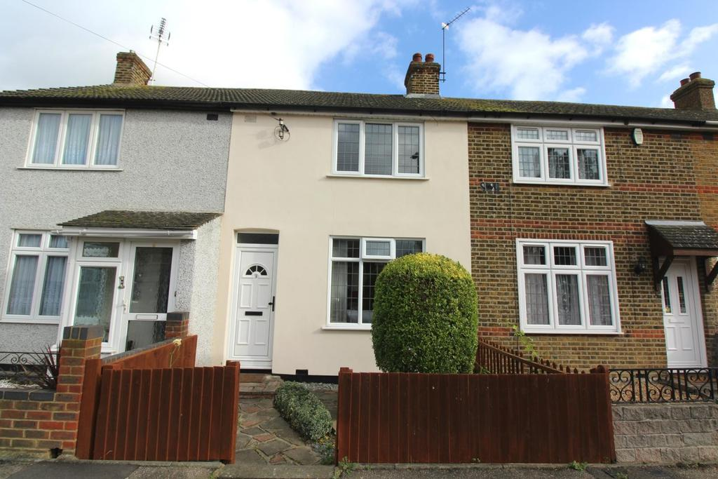 2 Bedrooms Terraced House for rent in East Road, Rush Green, Romford, RM7