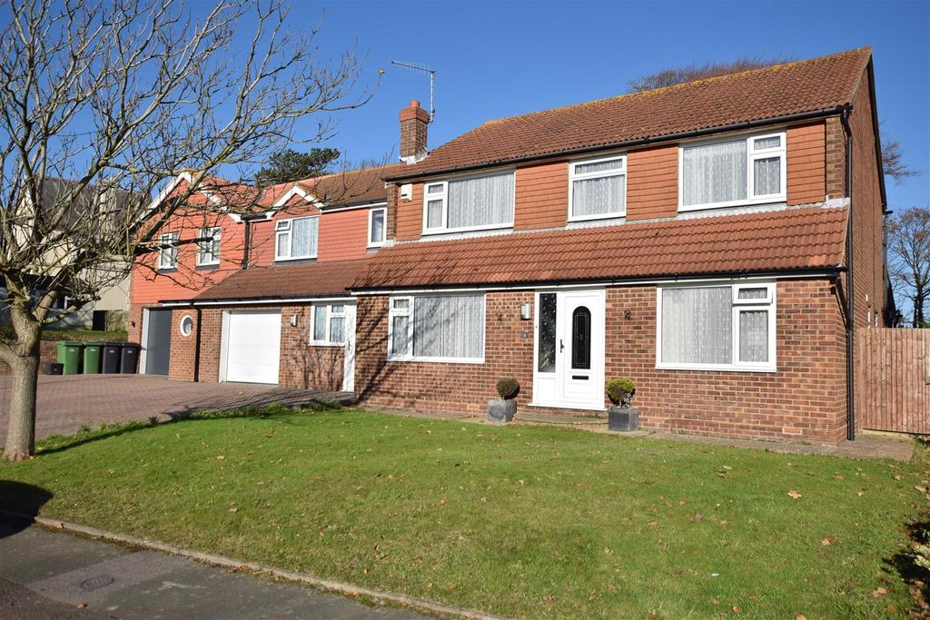 8 Bedrooms Detached House for sale in Playden Gardens, Hastings