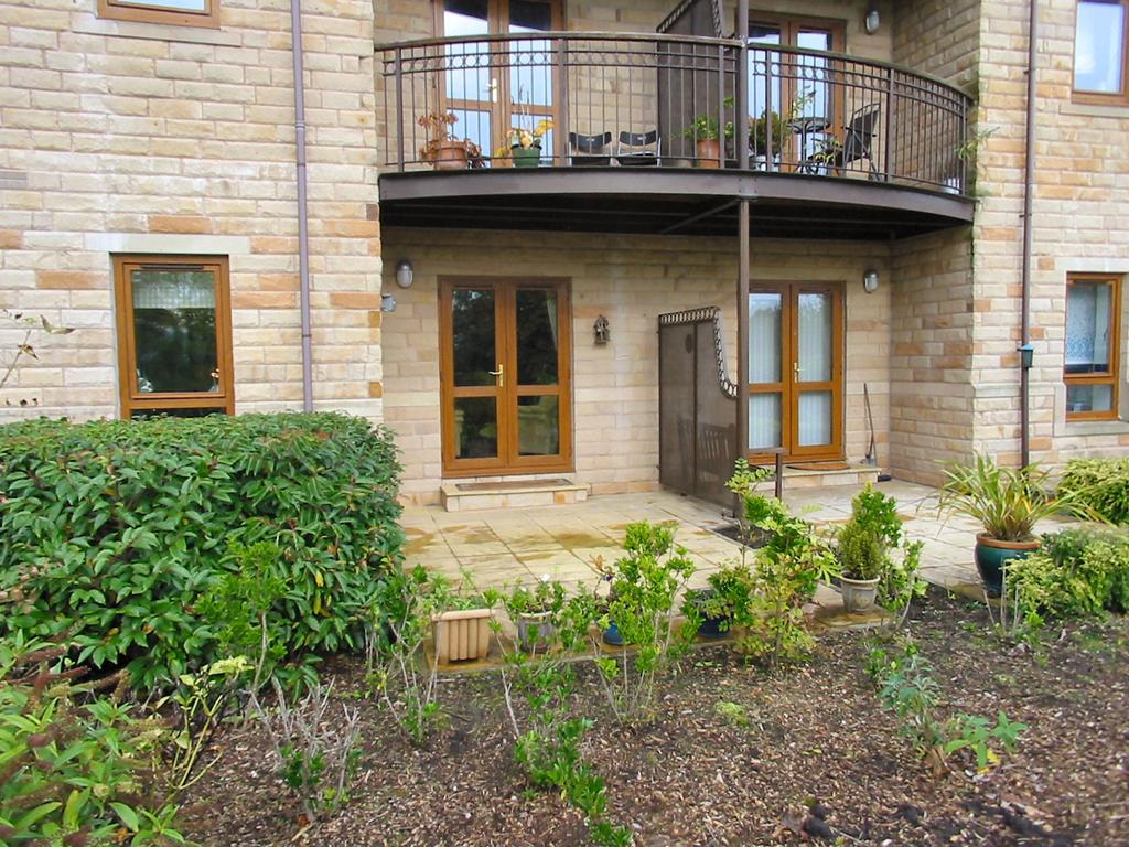 2 Bedrooms Apartment Flat for sale in Clough Springs, Barrowford BB9