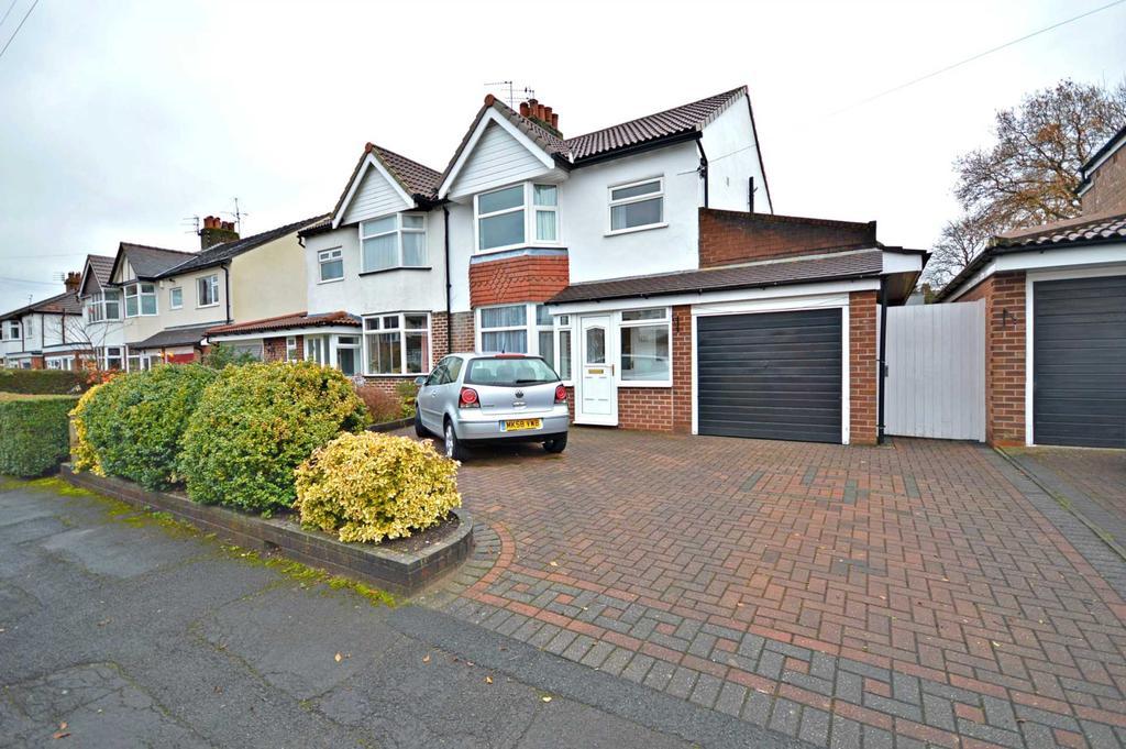 3 Bedrooms Semi Detached House for sale in Ravenoak Park Road, Cheadle Hulme