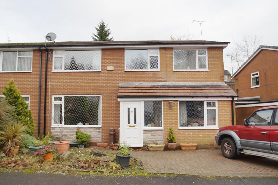 4 Bedrooms Semi Detached House for sale in Grotton Hollow, Grotton OL4