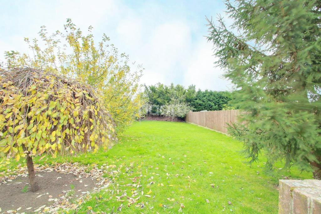 4 Bedrooms Semi Detached House for sale in Ely Road, Stretham
