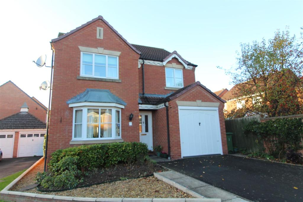 4 Bedrooms Detached House for sale in Keelton Close, Bicton Heath, Shrewsbury