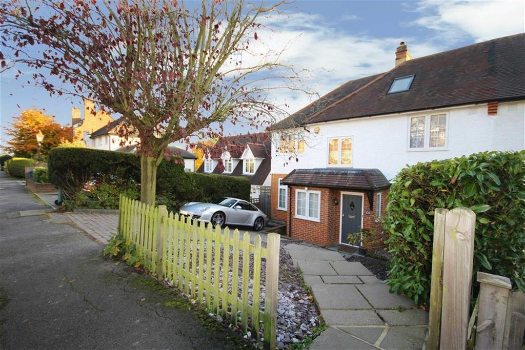 5 Bedrooms Semi Detached House for sale in Gloucester Road, Barnet, Herts