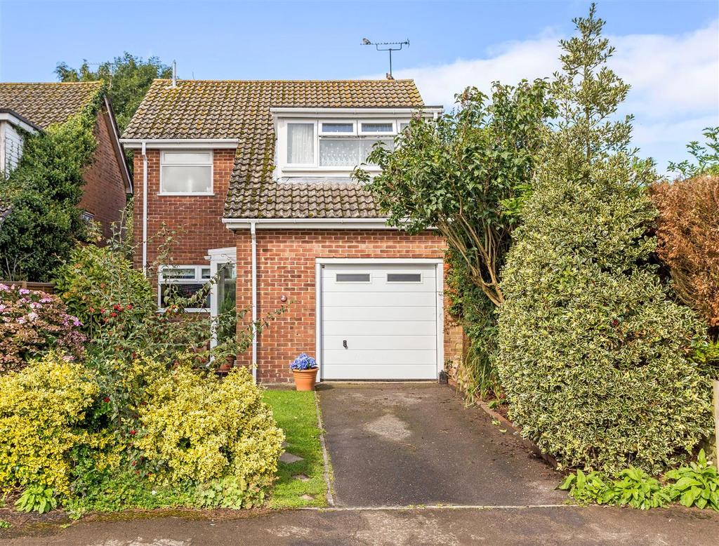 3 Bedrooms Detached House for sale in Callow Croft, Burbage, Marlborough