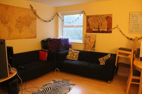 5 bedroom apartment to rent - Headingley Rise, Hyde Park, Leeds, LS6 1EE