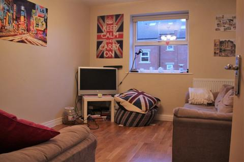 3 bedroom apartment to rent - Headingley Rise, Welton Road, Hyde Park, LS6 1EE